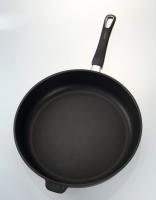 The Essential Ingredient Non-Stick Deep Induction Frypan Removable Handle 32cm